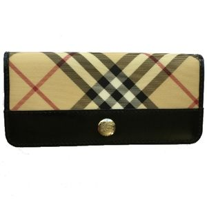 Classic, Stunning Burberry Folding Wallet